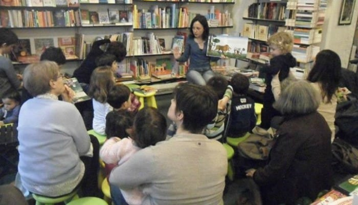 Libri di scienze per bambine: la provocazione di una libraia, un caffè per ogni libro a carattere scientifico indirizzato a una bimba