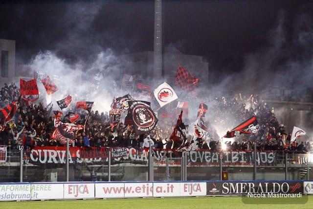 Monopoli-Foggia termina 0 a 2 nel posticipo serale della 29ma giornata di Lega Pro, Girone C. Tabellino e photogallery del match
