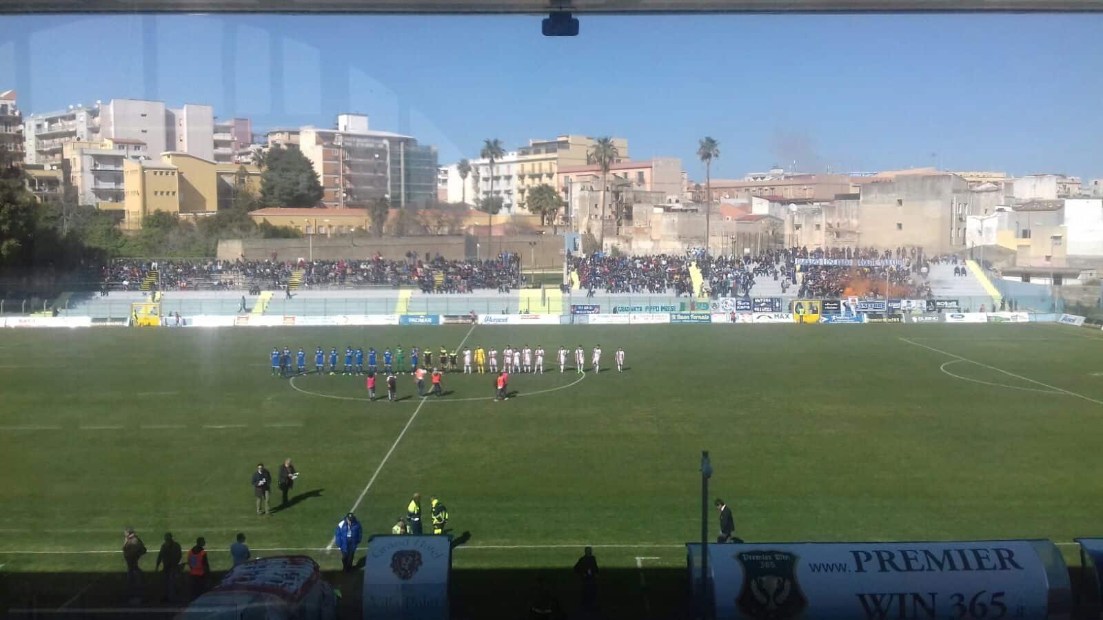 Siracusa-Fondi vede le due compagini giorcarsi - al Nicola De Simone - le speranze per un piazzamento nella zona play off