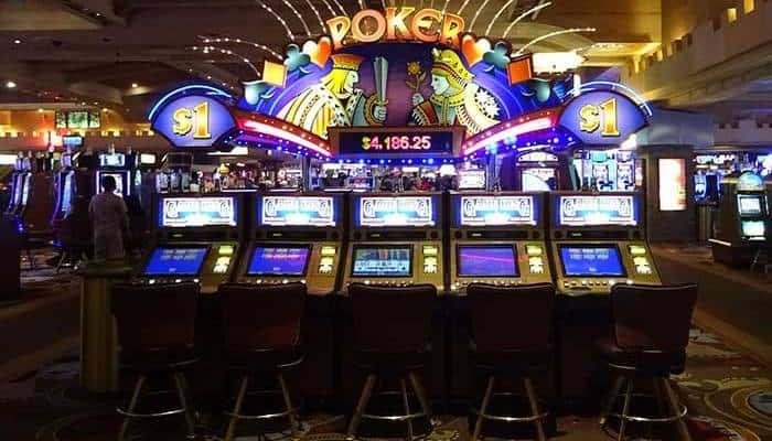 Niente di nuovo sul fronte gioco d'azzardo. Si può riassumere in una frase il recente passato della legislazione sul gambling