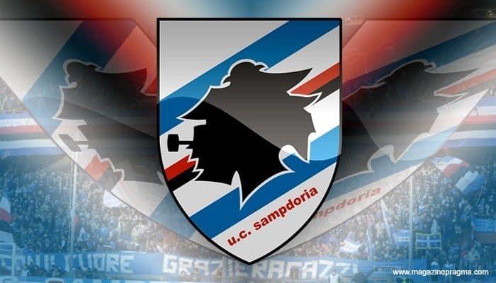 logo Sampdoria con pubblico sullo sfondo