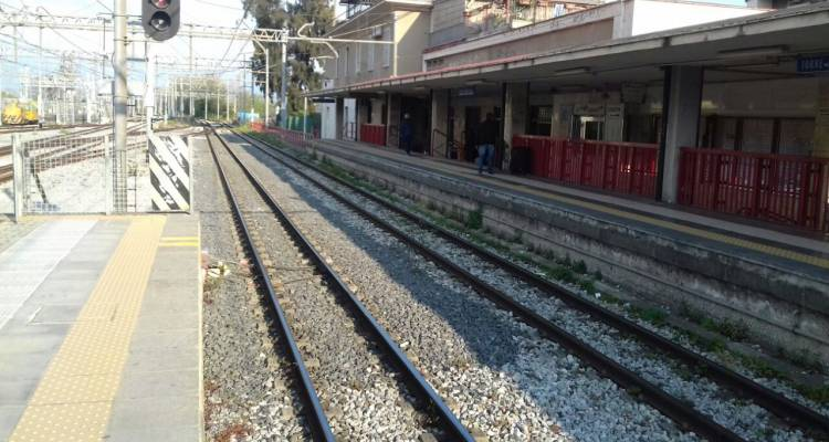 I treni della Vesuviana diretti per Sorrento e Poggiomarino sembrano essere spariti. Qualcuno ne ha notizie? Treni spariti e disagi infiniti