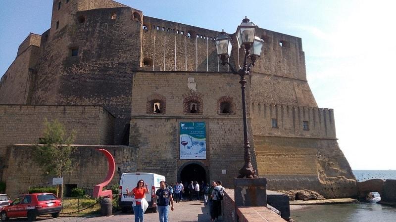 A Napoli, nella suggestiva location di Castel dell'Ovo, va in scena l'edizione numero tredici di Vitigno Italia, un viaggio nei vini italiani
