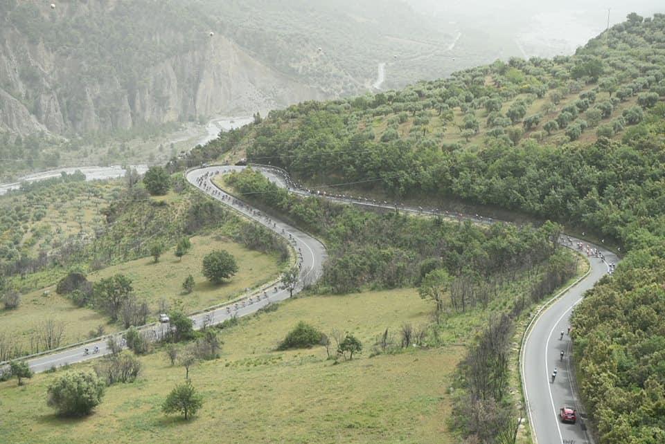 Giro d'Italia, 7° Tappa: Caleb Ewan vince tra i trulli di Alberobello