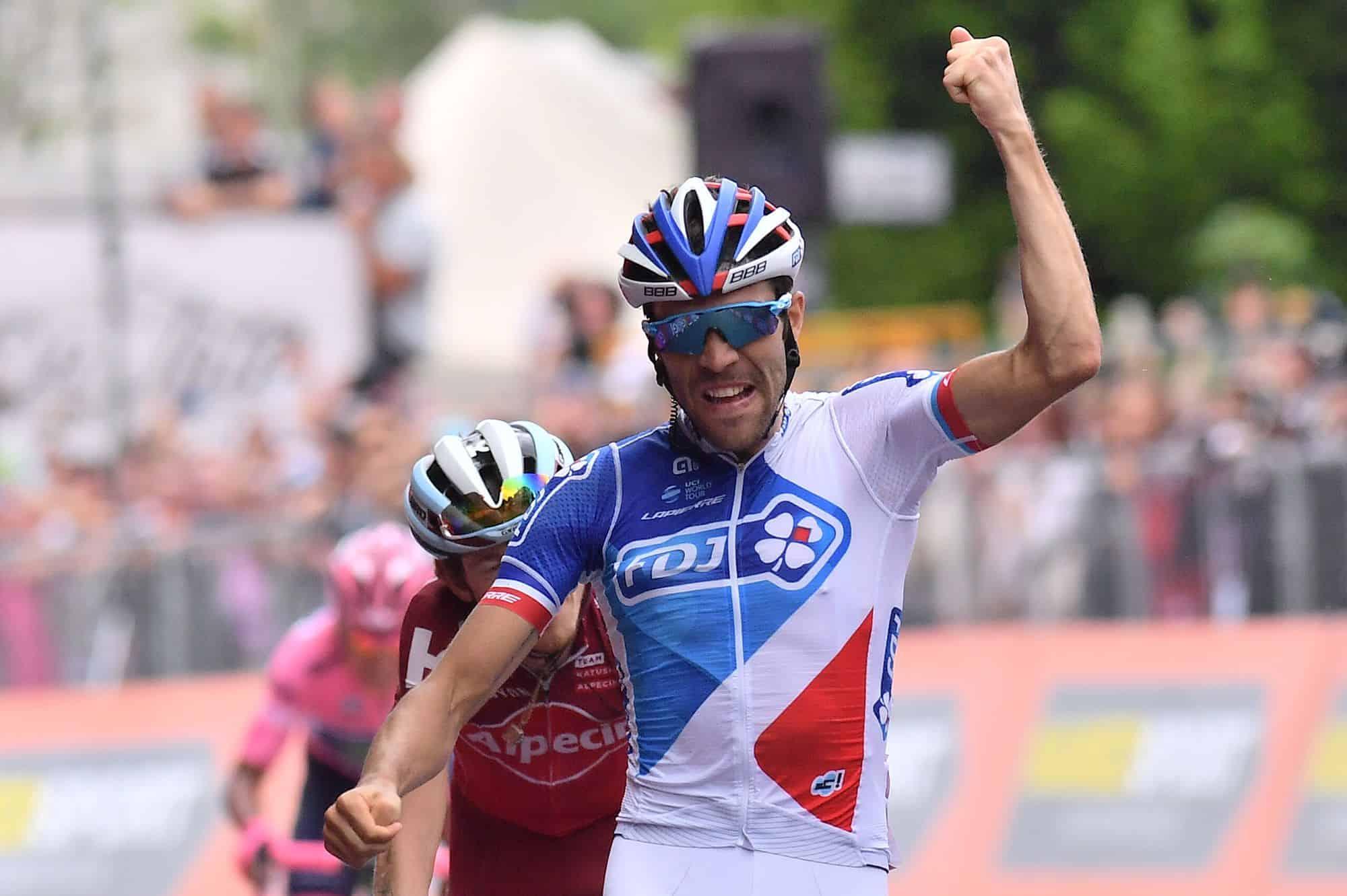 Giro d'Italia, 20° Tappa: ritmi alti e attacchi, ma Domoulin perde soltanto 15''