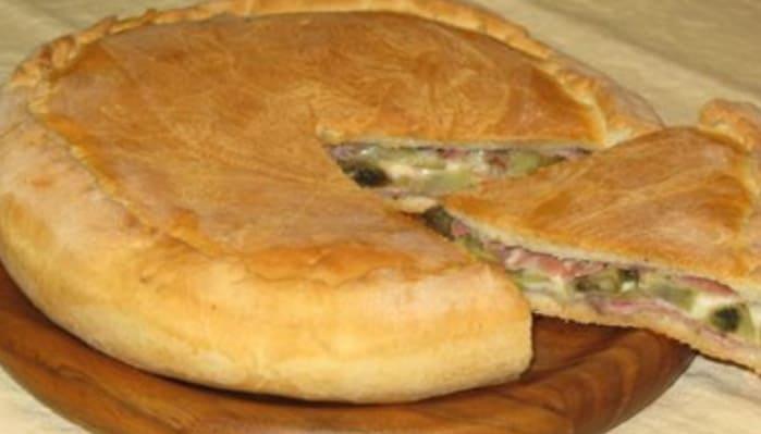 La Torta Golosina una tra le torte rustiche più sopraffine, è degna di imbandite la tavola per ogni festa..
