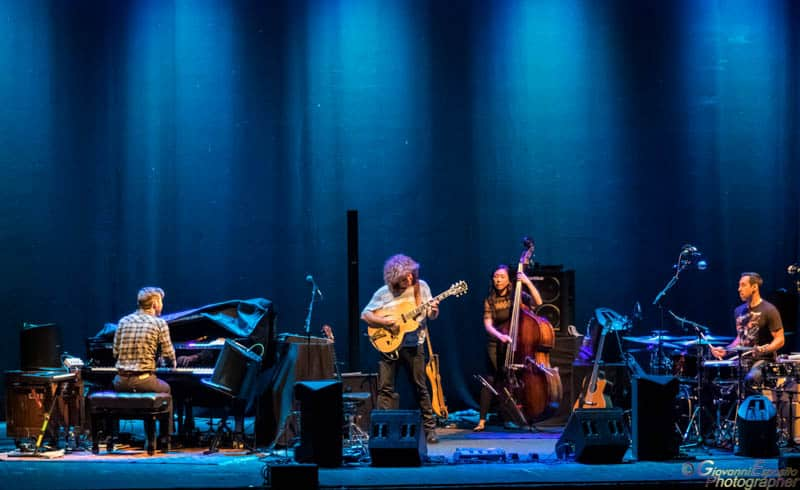 Un teatro gremito sabato sera al teatro Augusteo di Napoli per la tappa cittadina del mitico jazzista di Kansas City, Pat Metheny