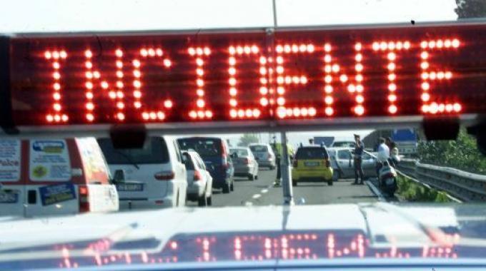 Angelo Rullino, 15 anni, era in sella ad un Piaggio Liberty 125 quandoi è stato sorpassato e travolto da un'auto Peugeot. Inutili i soccorsi.