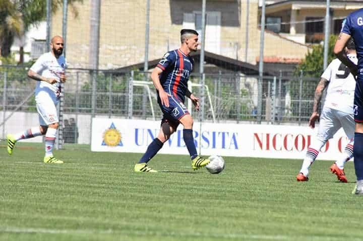 Ivan Varone, il Puma Napoletano, possente centrocampista del Fondi è l'oggetto del desiderio di molte squadre della serie cadetta. I dettagli
