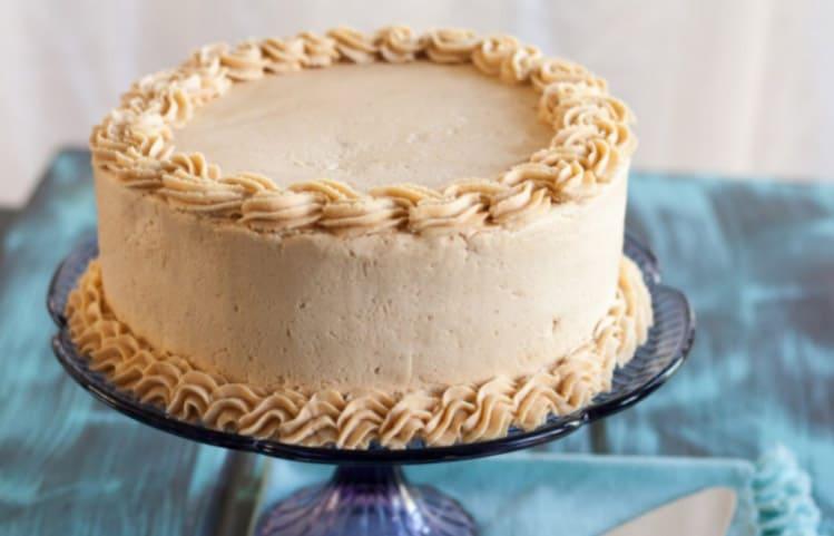 Torta al burro di arachidi un esempio dell'american style, un dolce per gli appassionati dei sapori decisi.