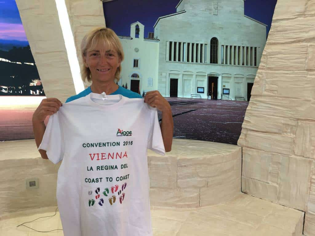 Vienna Cammarota attraverserà l'Europa a piedi portando in giro le foto di prima e dopo dei paesi dell'Italia centrale colpiti dal terremoto