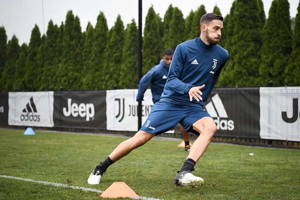 Comunicato Juve per De Sciglio: il terzino bianconero è uscito malconcio dalla sfida contro il Barcellona, in Champions League.
