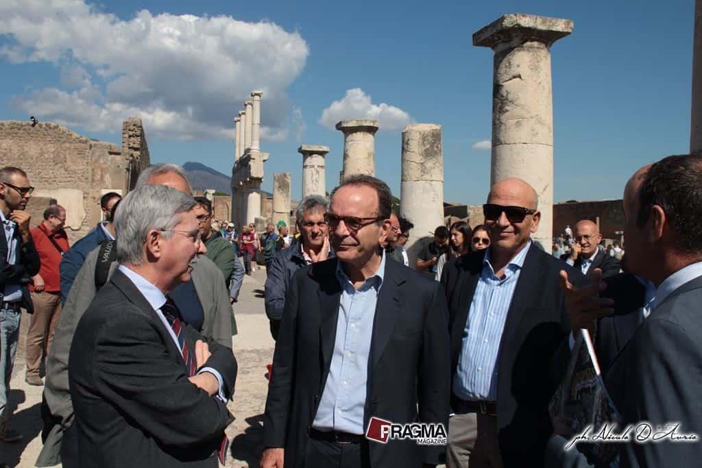 In Campania per l'organizzazione di Energie per l'Italia, Stefano Parisi parla delle idee del movimento e attacca Renzi e De Luca