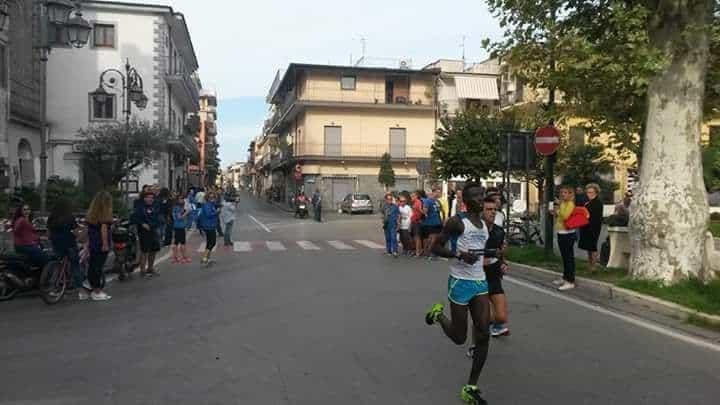 Alla Santa Maria Run 10 k arriva l'acuto di Karim Sarè, che sale per la prima volta sul gradino più alto del podio. Intervista e foto
