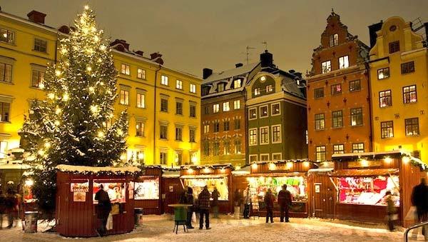 Se amate il Natale, i dolciumi e non vedete l'ora di andare a caccia di regali nei mercatini natalizi, Stoccolma è la città che fa al caso