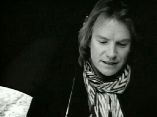 Sting ha sempre inserito il sociale nella propria musica. Omaggia anche lo scrittore Quentin Crisp con il brano Englishman in New York