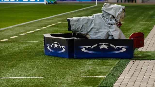 E' sempre più complicato vedere partite di calcio in chiaro. I siti online delle agenzie di scommesse sono la vera alternativa alla pay tv.