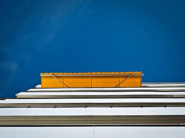 Che sia estate o inverno le tende da sole sono sempre la scelta più giusta, fatta di stile e funzionalità per proteggere la casa. Consigli