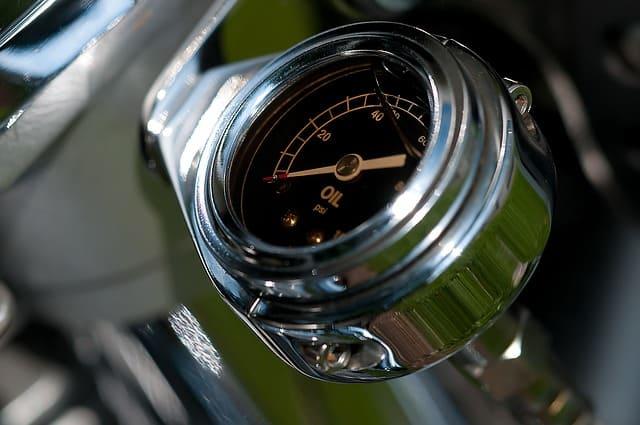 Chi ama le due ruote sanno perfettamente cos'è la cura dei particolari, soprattutto in termini di manutenzione. Olio motore, come sceglierlo