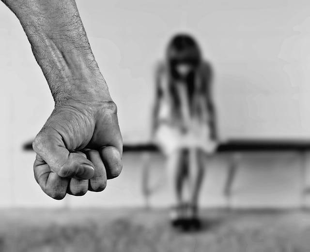 Le misure cautelari e pre-cautelari come strumenti per arginare la violenza e gli abusi familiari. Tutto sulla cd. legge sul Femminicidio