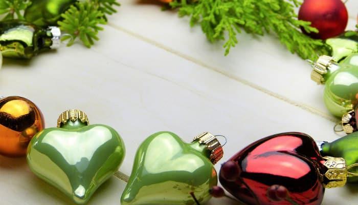 Addobbare casa con decorazioni Natalizie: idee per tutti i gusti e tutte le tasche. Fai da te, naturali e anche casalinghe
