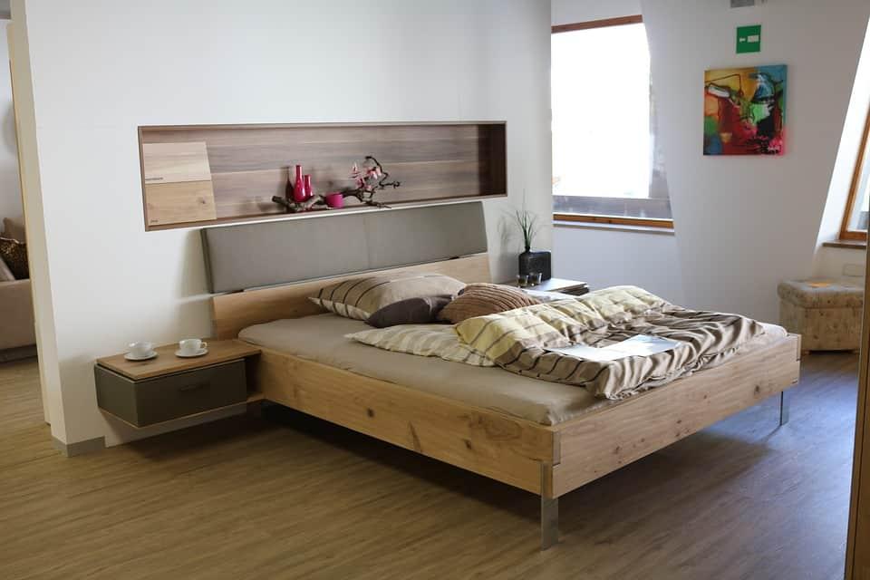 Rendere grande la camera da letto. Trucchi e consigli per ottimizzare spazi e luci anche nella stanza per dormire