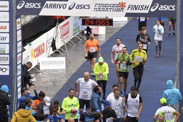 Alfonso Ruocco, malato di Parkinson, è un runner di Gragnano (NA) e ha una storia tutta da raccontare. La Malattia, la Maratona, l'Amicizia