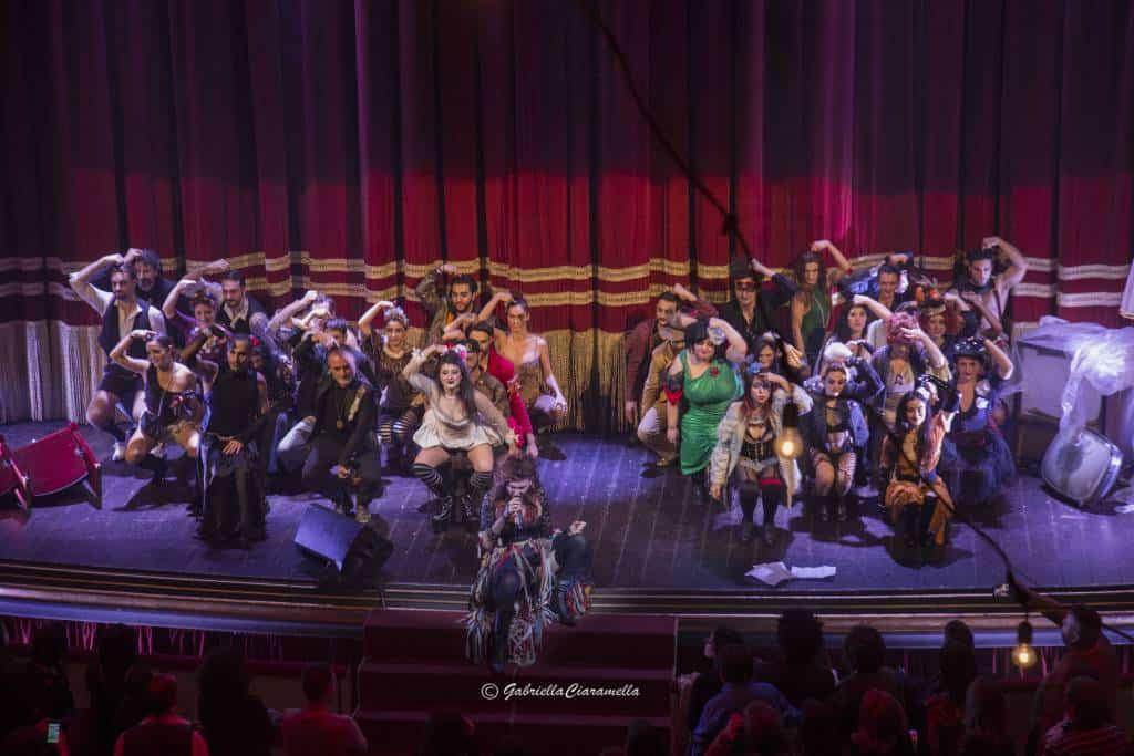 Dignità Autonome di Prostituzione chiude in sold out al Teatro Bellini. Uno Spettacolo originale ed itinerante diretto da Luciano Melchionna