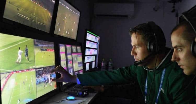 VAR, L'ex arbitro Iannone accusa: