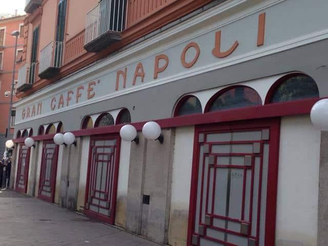 Il Gran Caffè Napoli è uno storico bar stabiese, che dal 1850 ha visto passare personaggi illustri come Croce, Serao, De Nicola, Scarfoglio.