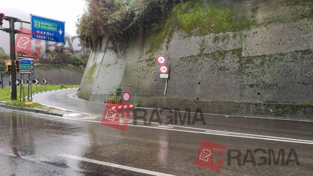 La pioggia ininterrotta che si è abbattuta su Castellammare dalla giornata di ieri ha fatto e sta facendo ancora danni. Ecco la situazione