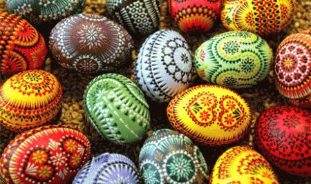 Perché non trascorrere le vacanze di Pasqua in Europa? Se siete indecisi sulla meta da scegliere, non dovete far altro che dare un'occhiata