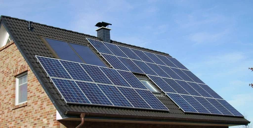 Pannelli fotovoltaici? Costi ridotti e alta efficienza gli obiettivi principali. Ecco una guida con consigli e info sull'ecobonus del governo