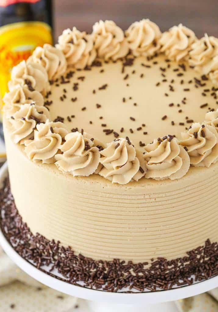 Torta alla crema di caffè: una torta squisita, ottima soluzione se siete indecisi se prendere il dolce o il caffè a fine pasto