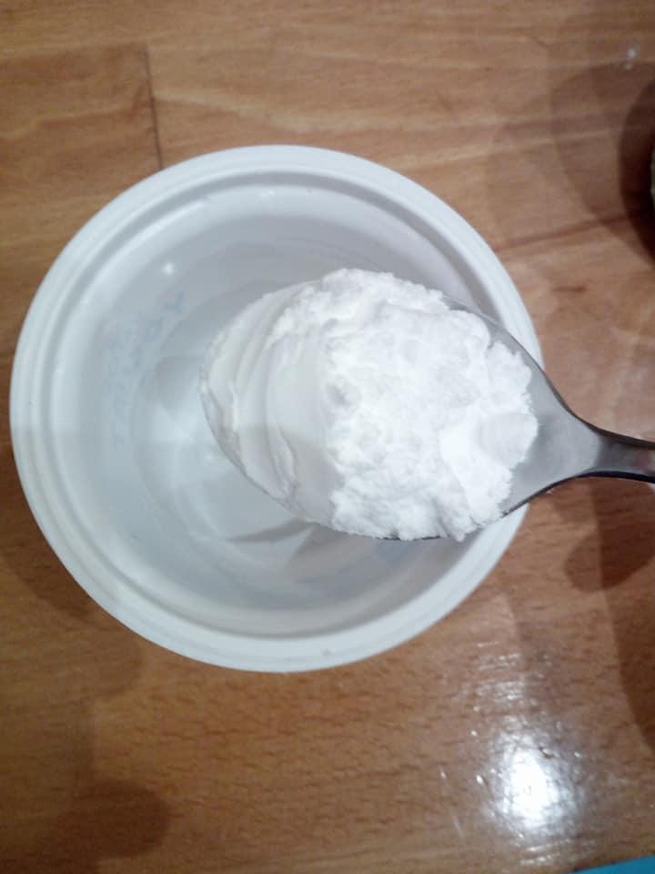 Tutte proprietà del bicarbonato di sodio, tonificante e purificante e dai mille usi. Ecco come preparare una maschera per il viso.