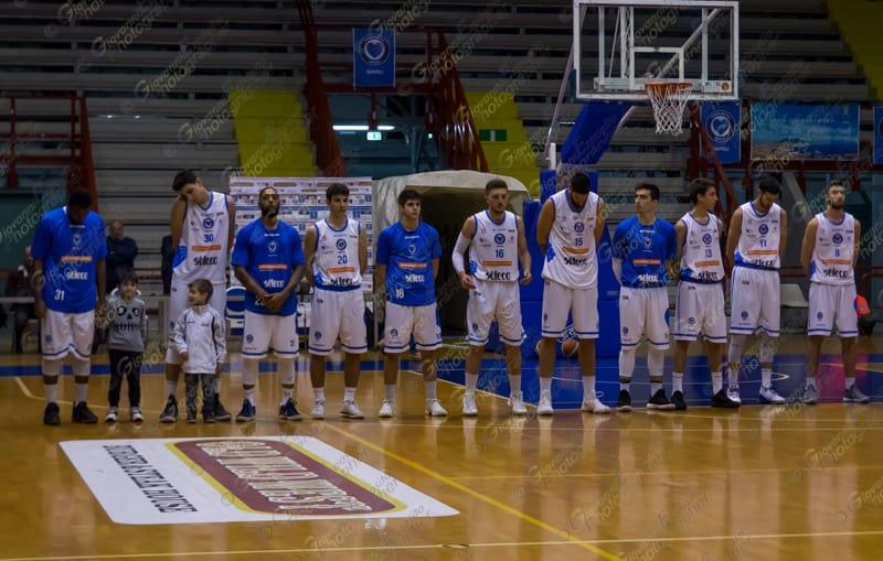Al Cuore Napoli Basket non basta la reazione nell'ultimo quarto per raggiungere la Fcl Contract Legnano che passa al Palabarbuto