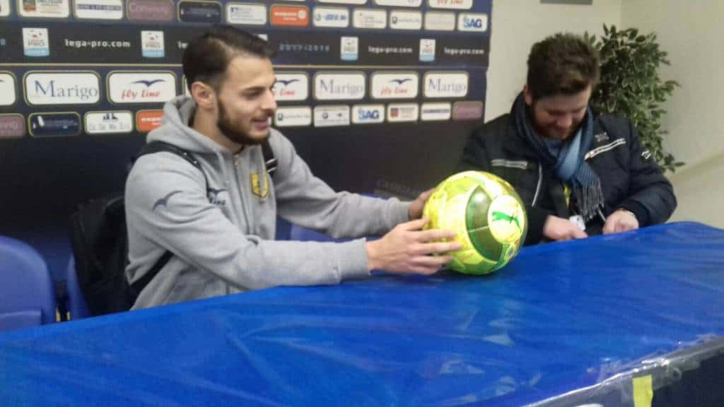 Dopo la gara, Luigi Canotto si presenta con il pallone in conferenza. Felice come un bambino, ecco le sue parole