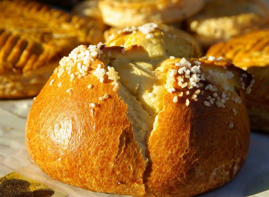 Le brioches sono un dolce di origine francese, che ingolosisce gli italiani e non solo, ed è un'ottima alternativa al cornetto