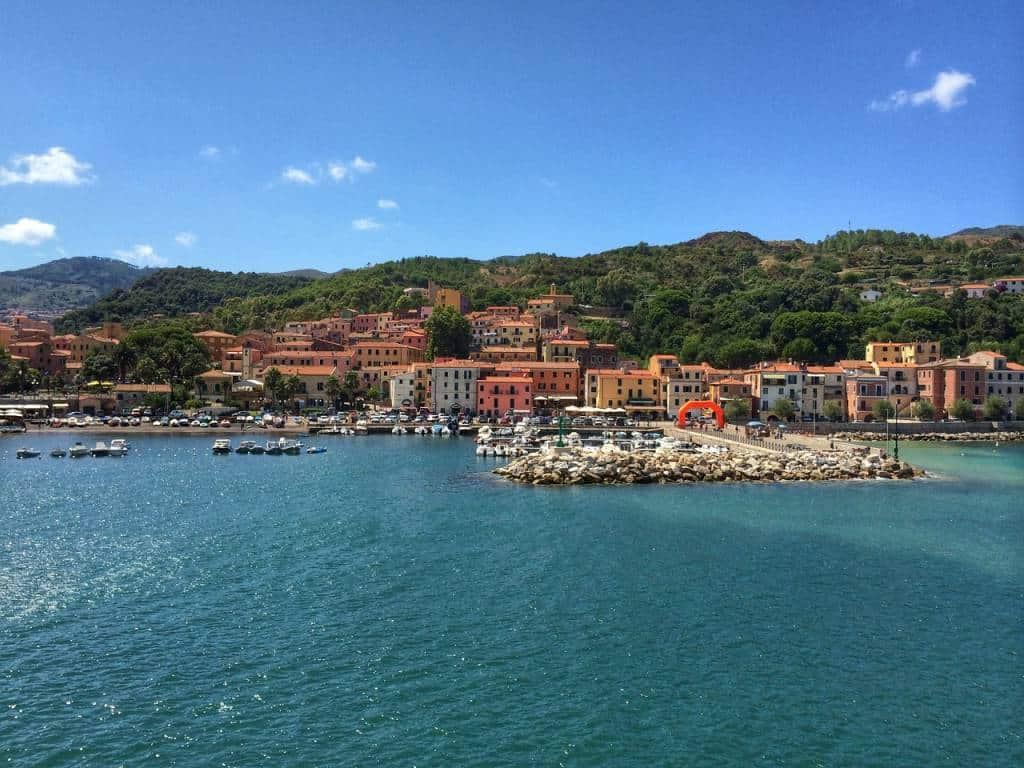 Breve viaggio alla scoperta dell'isola d'Elba, alla scoperta di spiagge incantate, ma non solo... tanta storia, cultura e magia!