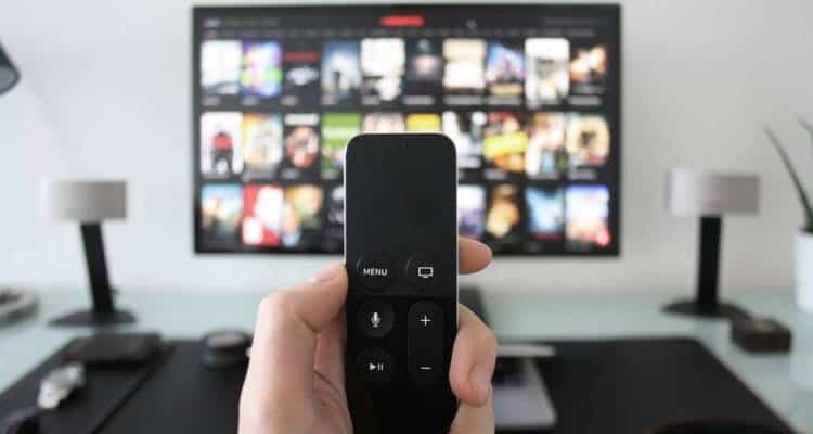 Sky e Netflix si prendono per mano. Una partnership ne sancisce l'unione