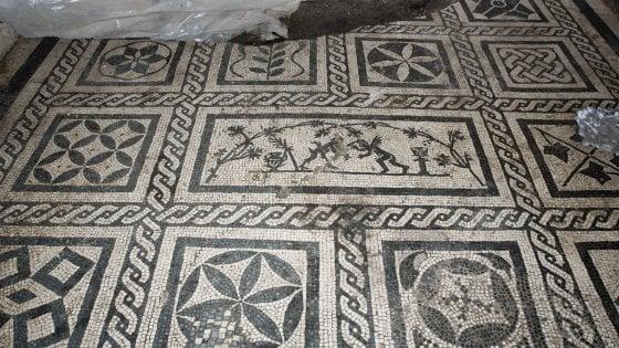 La terra regala la Domus di un Centurione del II sec. d.C. - sospesi i lavori della metro Amba Aradam. Ecco cosa è successo
