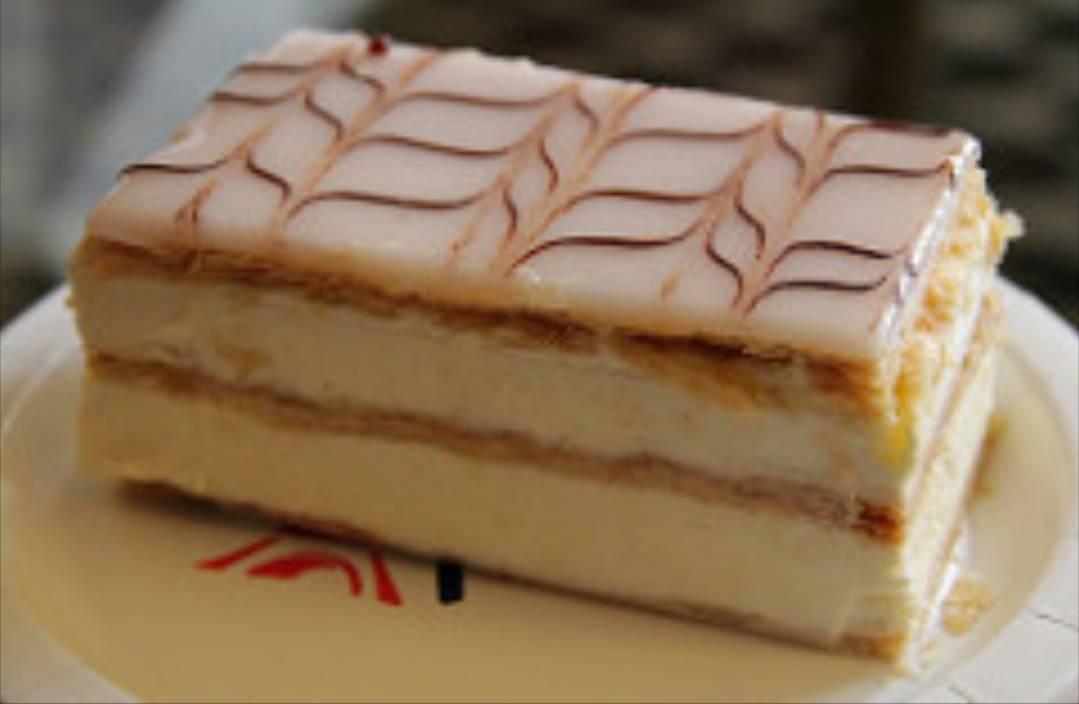 """La ricetta della Millefoglie, un dessert """"dèlicieux"""" ottimo per tutte le stagioni. Lo sapevate che si può chiamare anche Napoleon?"""