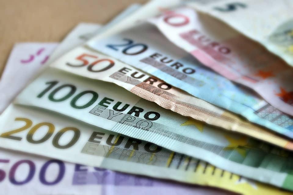 La dea bendata fa tappa in città e porta ad un fortunato giocatore che ha centrato il 5 del Superenalotto una vincita di tredicimila euro