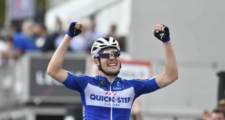 Giro, 18° Tappa - Va la fuga con Schachmann, fenomenale Pozzovivo