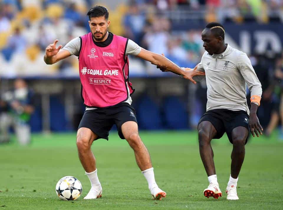 Emre Can alla Juve: dopo un lungo tira e molla, il centrocampista dovrebbe arrivare a Torino in questi giorni per mette tutto nero su bianco.