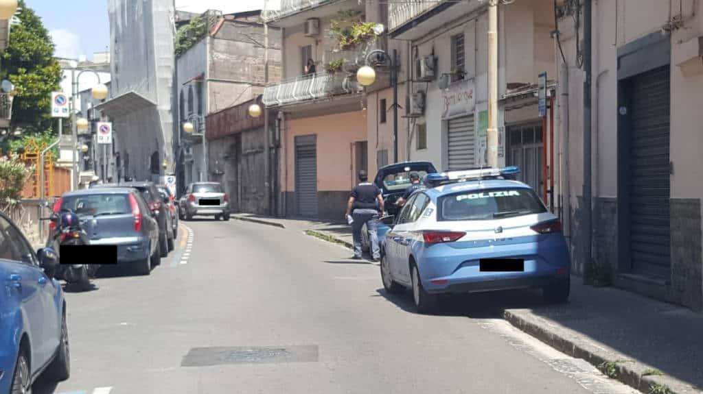 E' successo nel pomeriggio a Castellammare di Stabia, che un banale incidente tra uno scooter guidato da un giovane 15 ed un adulto alla guida della sua auto è poi finito in rissa. Il fatto