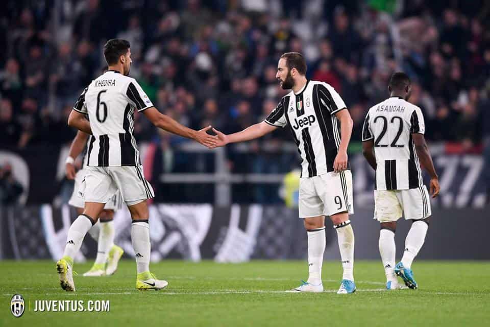 Higuain al Chelsea: dopo l'approdo di Cristiano Ronaldo alla Juventus, i bianconeri puntano a fare cassa, e l'argentino è pronto a partire insieme al difensore ex Empoli.