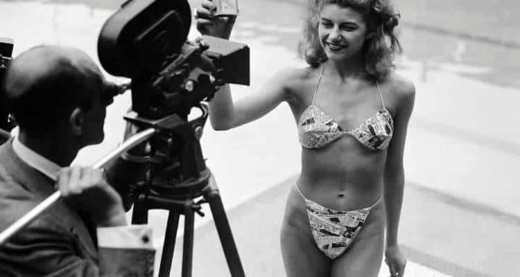 Il 5 luglio 1946 sfila per la prima volta il bikini, fra meraviglia e stupore dopo 70 anni è ancora il modello più amato ed indossato dalle bagnanti