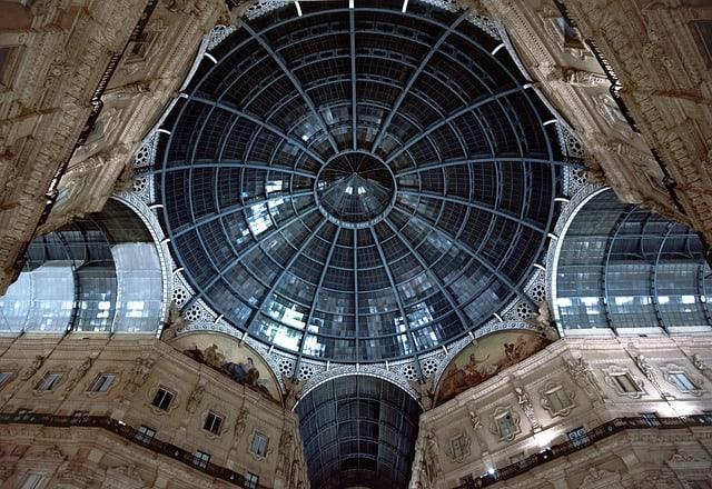 Milano è la capitale della moda e degli eventi mondani. La città meneghina, però, riesce ad offrire anche un ricco calendario di eventi artistici, mostre e percorsi creativi.