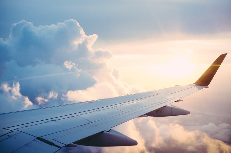 Un volo Emirates è in quarantena presso l'aeroporto JFK .Durante il volo diversi passeggeri si sono sentiti male: febbre alta e tosse i sintomi.Sembra si tratti di un'emergenza medica, ma ancora non è chiara la situazione.